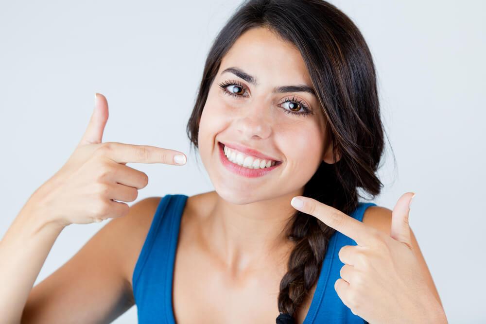 איך עובד יישור שיניים? 1